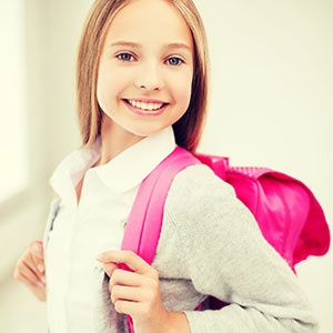Surveillez le dos des enfants et des adolescents