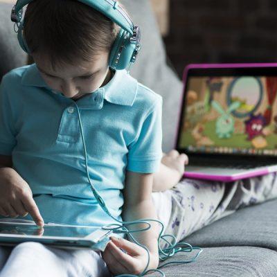 Mon enfant est-il addict aux écrans ?